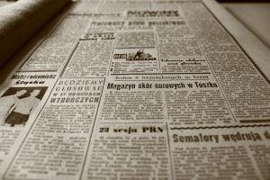 Jornalista: o que faz, salário e como contratar